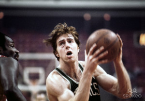 HoopsCritic Hot 50 – #49 Dave Cowens